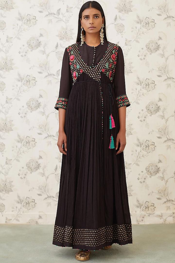 Black Embroidered Angrakha Kurta Set by Shyam Narayan Prasad