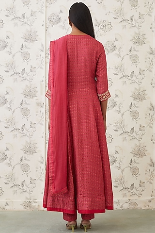 Coral Embroidered Front Open Kurta Set by Shyam Narayan Prasad