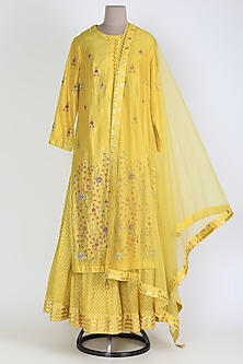 Yellow Embroidered Skirt Set by Shyam Narayan Prasad