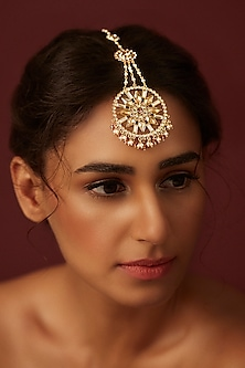 Gold Finish Maang Tikka With Swarovski Crystals by Suneet Varma X Confluence