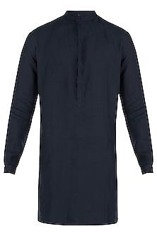 Navy blue linen kurta by Son Of A Noble SNOB
