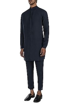 Navy blue linen kurta by Son Of A Noble SNOB