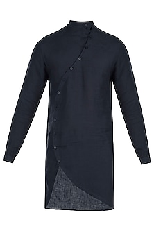Navy blue curved placket kurta by Son Of A Noble SNOB