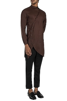 Dark brown kurta by Son Of A Noble SNOB