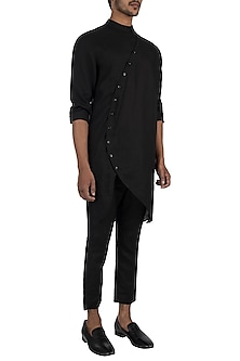 Black placket kurta by Son Of A Noble SNOB