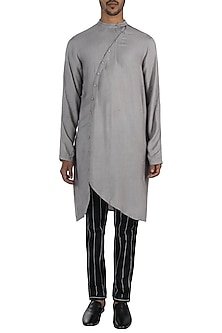 Grey kurta with pyjama pants by Son Of A Noble SNOB