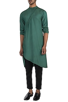 Green kurta with pyjama pants by Son Of A Noble SNOB