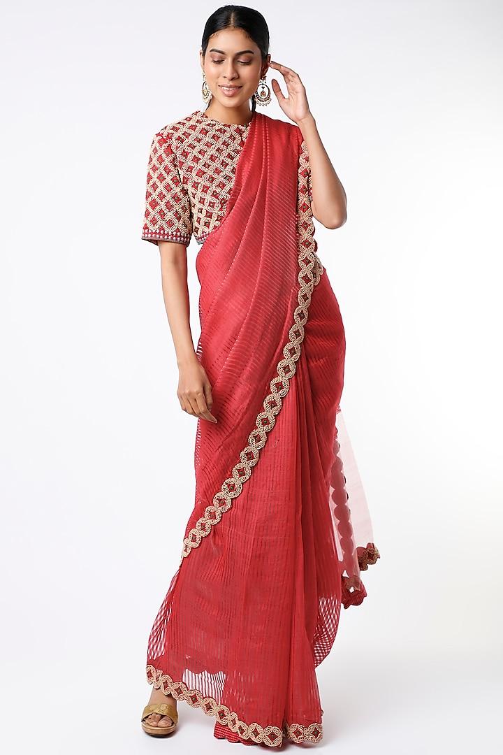 Red Hand Embroidered Handloom Saree Set by Soumodeep Dutta