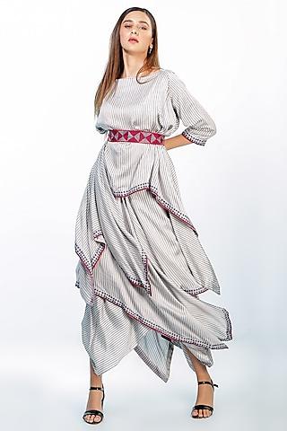 Grey Aari Embroidered Skirt Set With Belt by Soumodeep Dutta