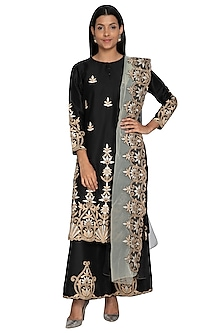Black Gota Embroidered Kurta Set by Sonali Gupta