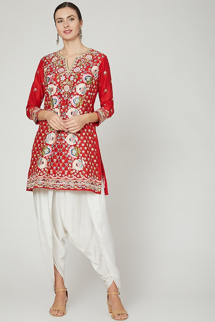 Red & White Embroidered Kurta Set by Sonali Gupta