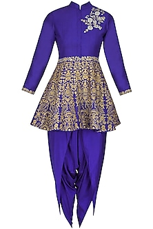 Blue floral dabka, pearls and sequins embroidered short kurta and dhoti pants set by Sonali Gupta
