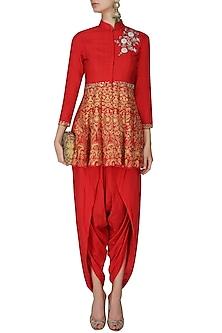 Red floral dabka, pearls and sequins embroidered short kurta and dhoti pants set by Sonali Gupta