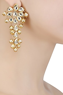 Matte Gold Finish Kundan Stone Earrings by Soranam