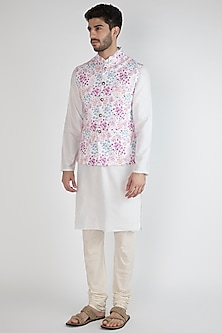 White Floral Printed Bundi Jacket by SPRING BREAK