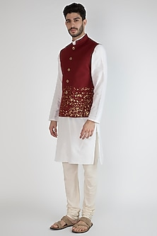 Maroon Printed Bundi Jacket by SPRING BREAK