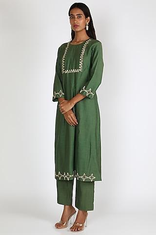 Emerald Green Zardosi Embroidered Kurta Set by Shristi Chetani