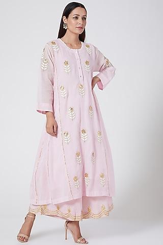 Pale Pink Embroidered Tiered Kurta Set by Sareeka H & Mukkta Dograa