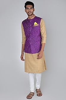 Brinjal Purple Embroidered Bandhani Bundi Jacket by SEIRRA THAKUR