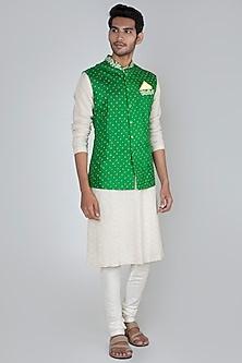 Parrot Green Embroidered Bandhani Bundi Jacket by SEIRRA THAKUR