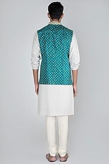 Peacock Green Embroidered Bandhani Bundi Jacket by SEIRRA THAKUR