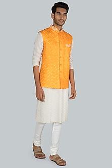 Light Orange Embroidered Bandhani Bundi Jacket by SEIRRA THAKUR