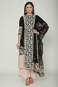 Black Embroidered Kurta Set by Shashank Arya