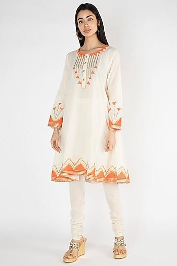 Off White Embellished Kurta by Gulabo By Abu Sandeep