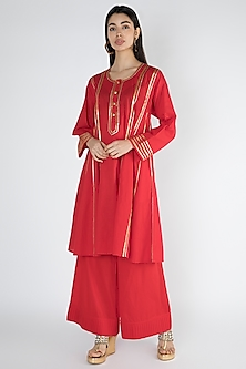 Bright Red Embroidered Kurta by Gulabo By Abu Sandeep