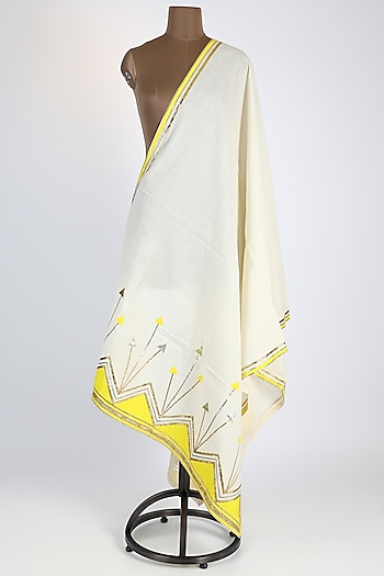 Off White Dupatta With Kite Detailing by Gulabo By Abu Sandeep