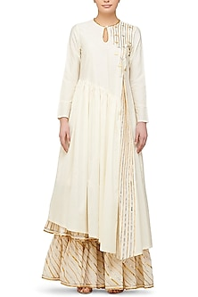 Off White Asymmetrical Kurta by Gulabo By Abu Sandeep