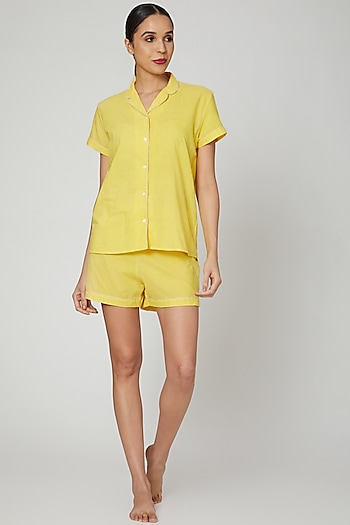 Yellow Shirt With Shorts by Stitch