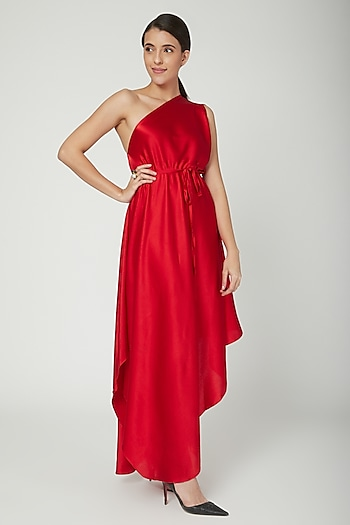 Red One Shoulder Dress With Belt by Stephany