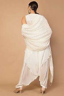 Ivory Pleated Kurta Set by Siddartha Tytler