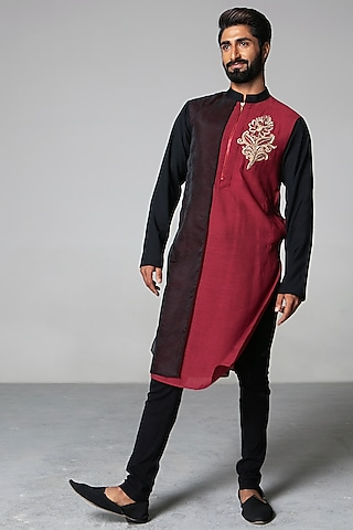 Maroon & Black Kurta Set by Siddartha Tytler Men