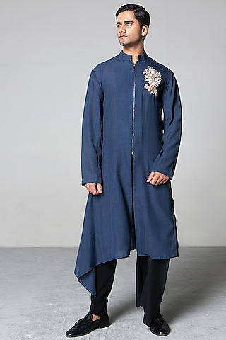 Blaue & Black Zari Kurta Set by Siddartha Tytler Men