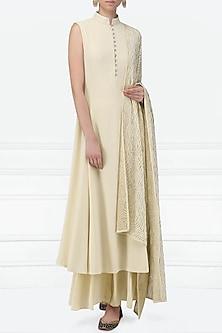 Off White Embellished Kurta Set by Siddartha Tytler