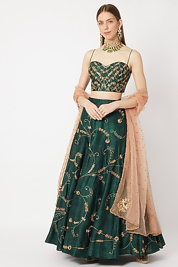 Emerald Green Embroidered Lehenga Set With Peach Dupatta by Sumayah