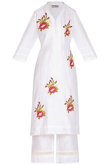 Off White Embellished Kurta Set by Surabhi Arya