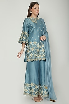 Turquoise Embroidered Kurta Set by Surabhi Arya