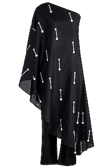 Black Embroidered Kurta With Pants & Scarf by Arya by SVA