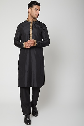 Black Kurta With Embroidered Collar by SVA BY SONAM & PARAS MODI Men
