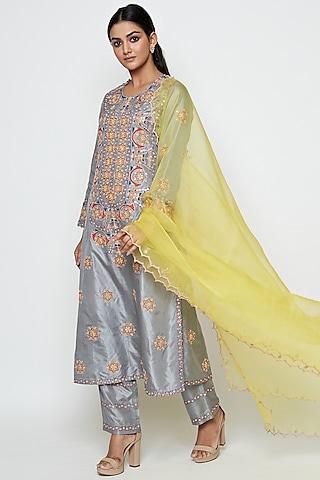 Grey Embroidered Kurta Set by Swati Vijaivargie