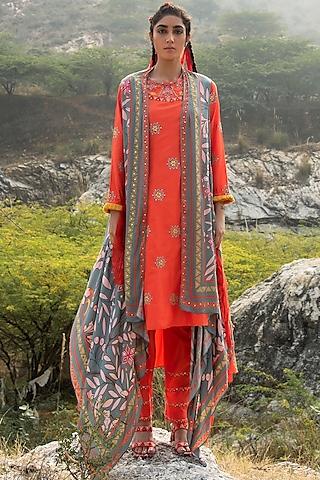 Orange Embroidered Kurta Set by Swati Vijaivargie