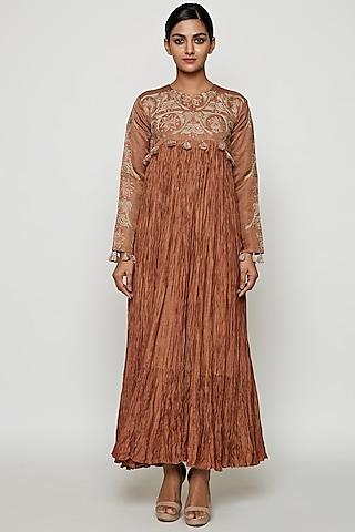 Beige Crushed Silk Dress by Swati Vijaivargie