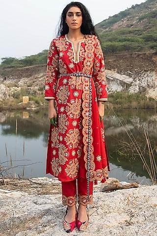 Red Embroidered Silk Kurta Set by Swati Vijaivargie