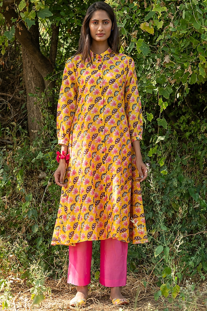 Yellow Printed Flared Kurta Set by Swati Vijaivargie