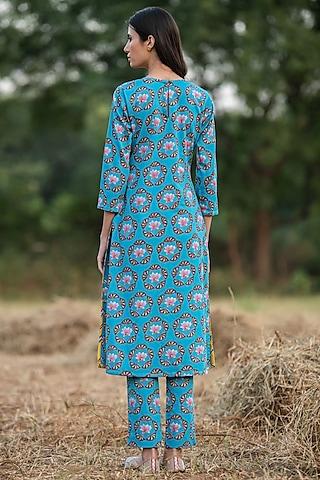Turquoise Printed Kurta Set by Swati Vijaivargie
