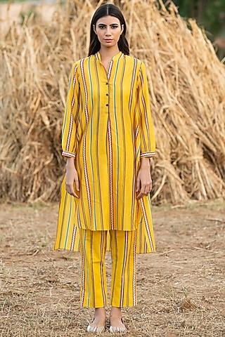 Yellow Printed Tunic Set by Swati Vijaivargie