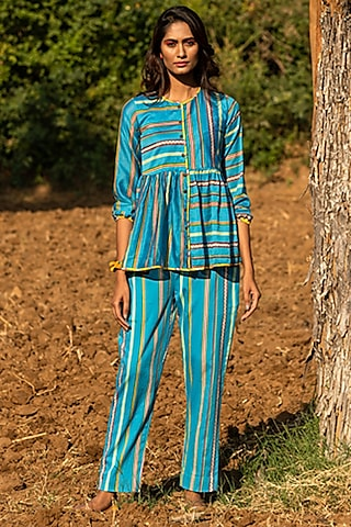 Turquoise Printed Shirt by Swati Vijaivargie